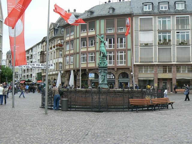 Gerechtigkeitsbrunnen (Fountain of Justice), Altstadt, Frankfurt