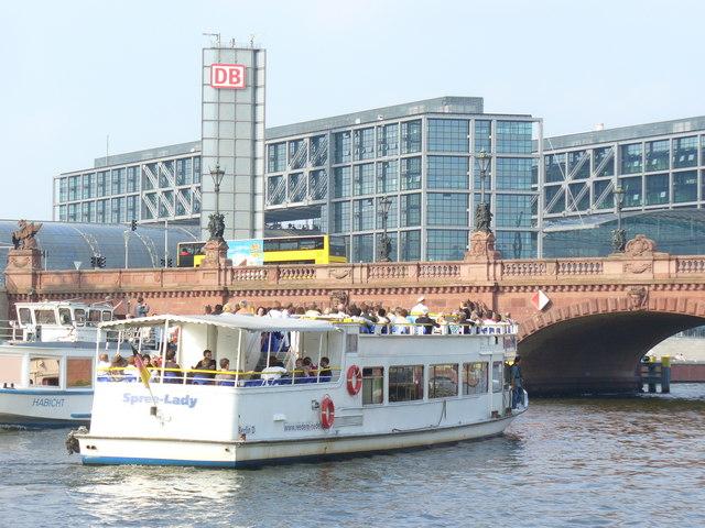 Moltke-Brücke und Berliner Hauptbahnhof