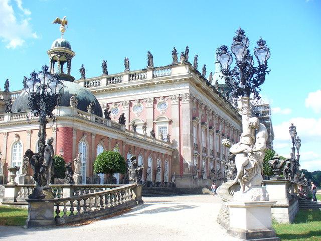 Neues Palais, Ostfront