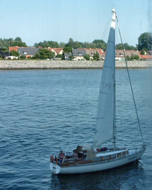 Yacht auf der Warnow (Yacht on the Warnow)
