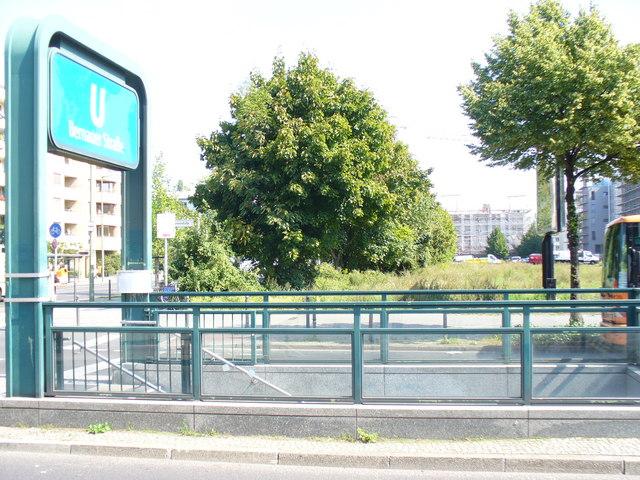 U-Bahnstation Bernauer Strasse