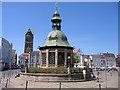 UPE6274 : Wasserkunst, Marktplatz, Wismar von Rodney Burton