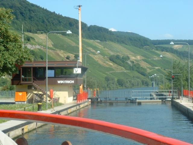 Mosel - Schleuse Wintrich