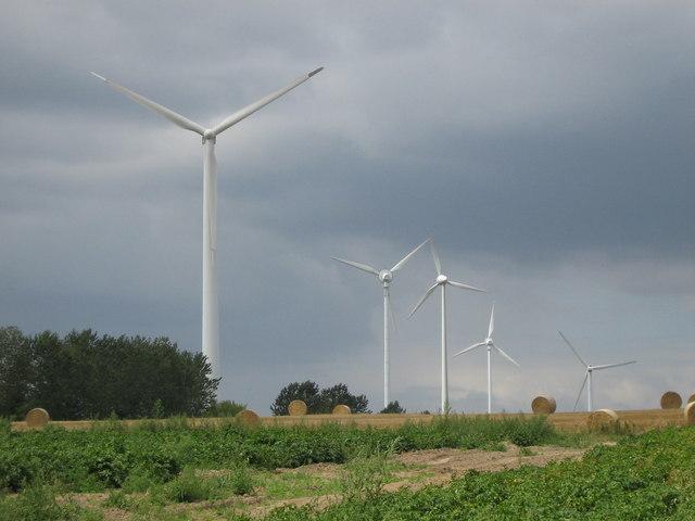 Wind turbines near Gantikower See