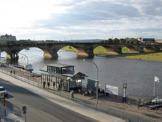 Augustusbrücke und die Elbe