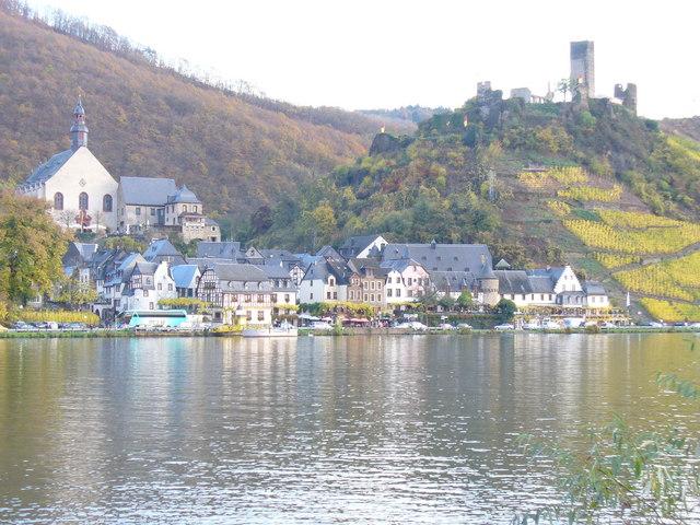 Beilstein und Ruine Burg Metternich