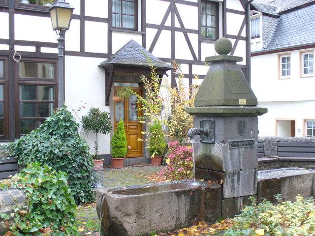 Brunnen, Bremm