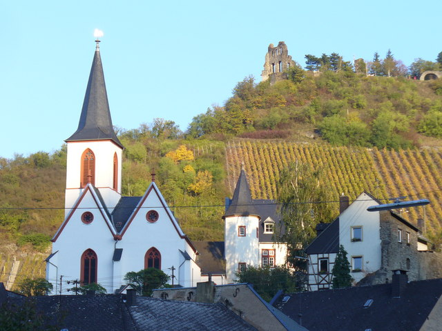 Pfarrkirche und Ruine Grevenburg