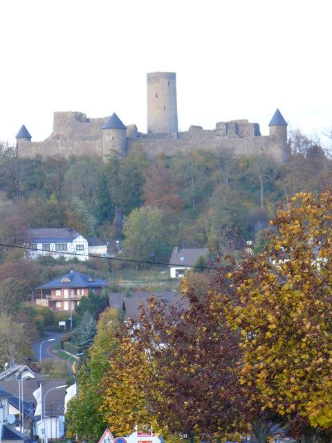 Burg, Nuerburg
