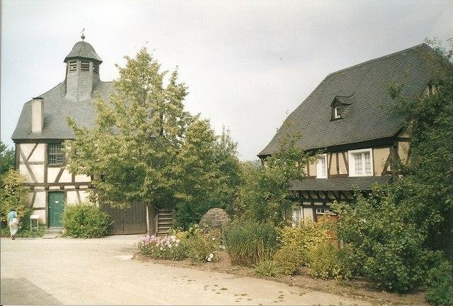 Alte Haeuser im Roscheider Hof