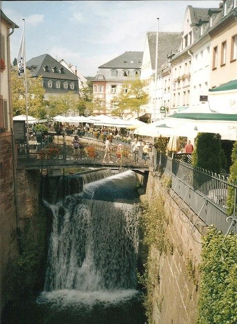 Wasserfall, Altstadt Saarburg