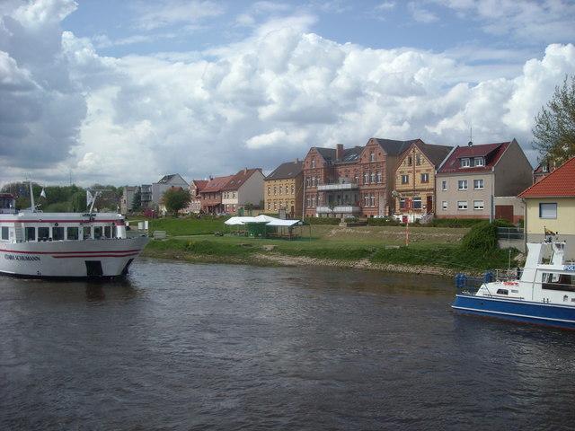 Riverbank approaching Wittenberg