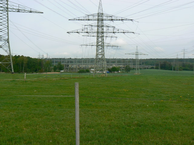 Power lines and pylons west of Urberach