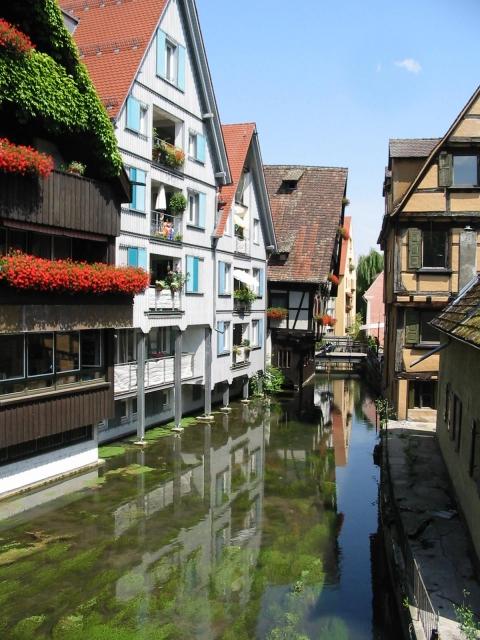 Gerberhäuser im Fischerviertel und Der Fluss Blau