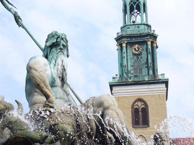 Neptunbrunnen am Neuer Markt