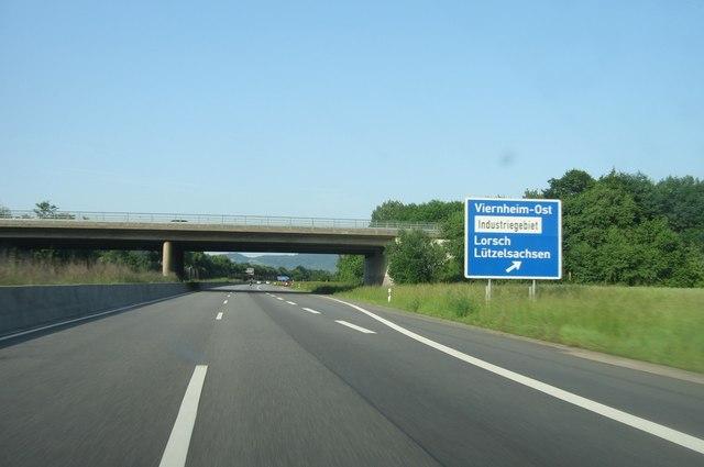 Kreuzung nach Viernheim-Ost