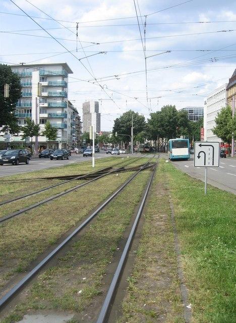 Friedrichsring und Schienengleis