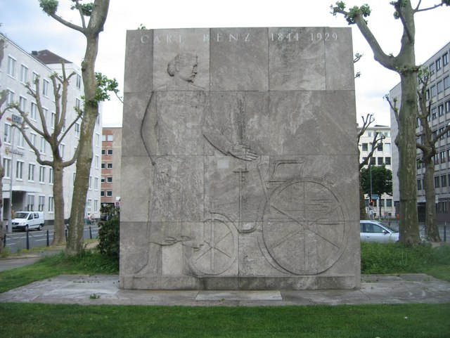 Carl Benz Denkmal