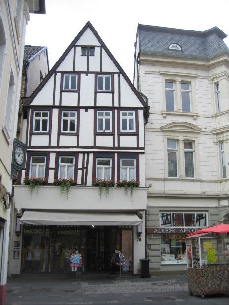 Einkauf (Childrens clothes shop)