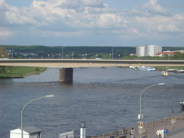 Die Carolabrücke in Dresden (The Carola-Bridge in Dresden)