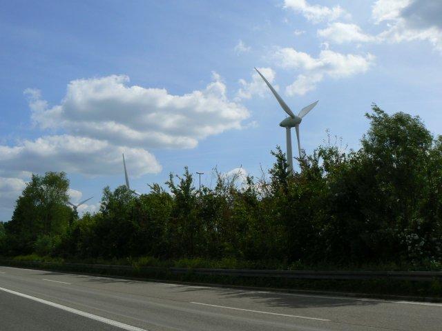 Windturbine bei der Landesgrenze