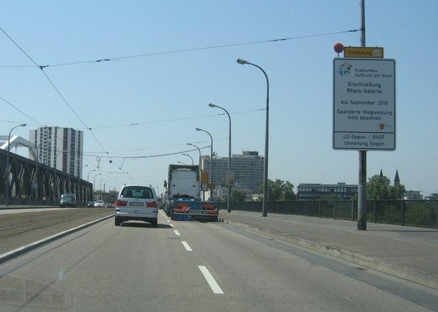 Konrad-Adenauer Brücke