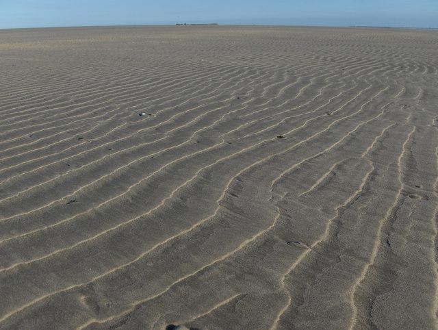 Sandstrukturen im Westen Juists