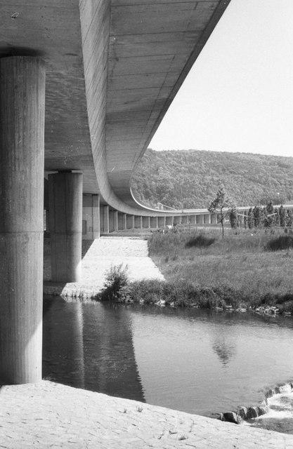 Autobahnbrücke über das Wiesental