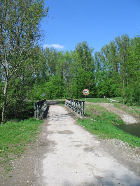 Brücke über die Alb