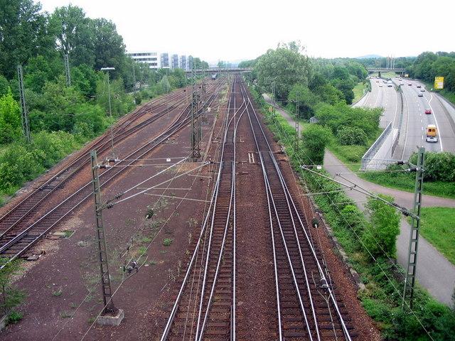 Südtangente Karlsruhe unterquert die Bahnstrecke