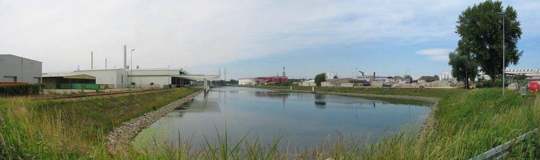 Rheinhafen Karlsruhe Becken 5
