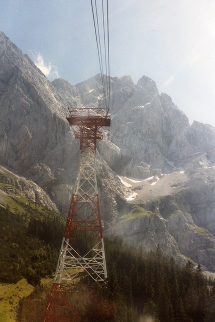 Approaching a pylon on the Eibsee Seilbahn to Zugspitze summit