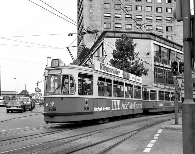 Tram on Route 15 near Hbf