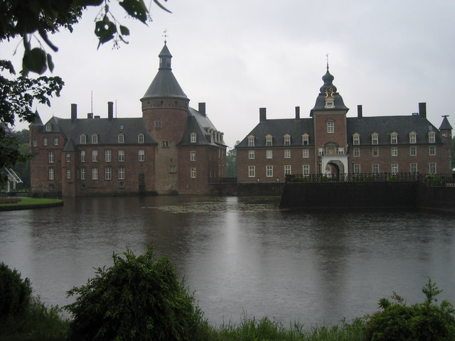 Wasserburg Anholt (Castle and moat in Anholt)