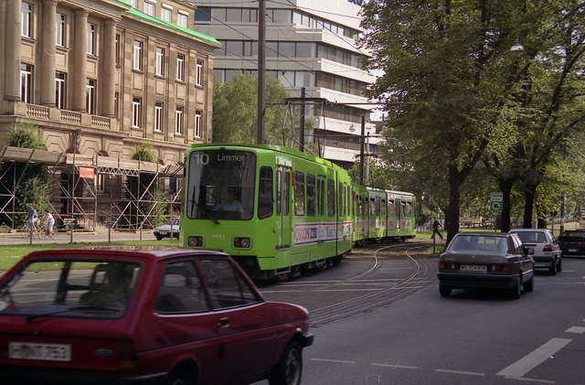 Leaving the Hbf tram stop