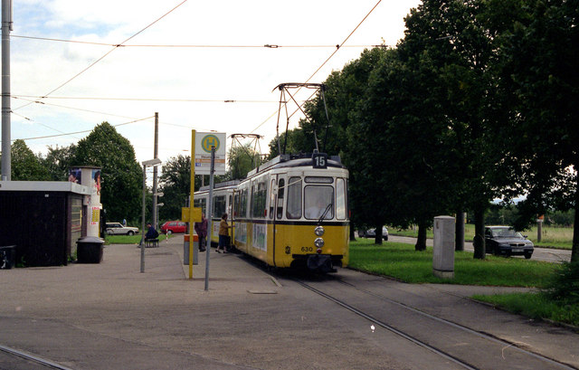 Tram at Heumaden terminus