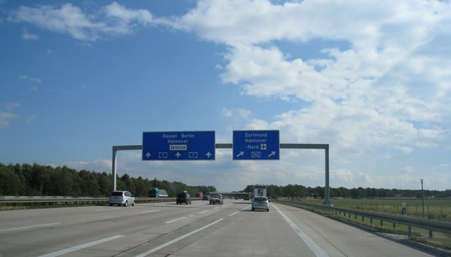 Autobahnkreuz A7/A352 bei Hannover-Nord