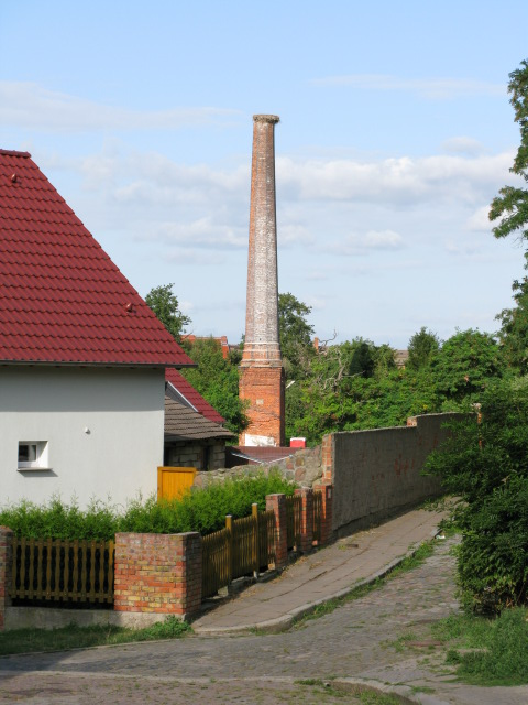 Fabrikkamin, Bergstrasse (Factory chimney on Bergstrasse, Burg)