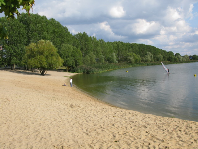 The beach at Niegripper See camping