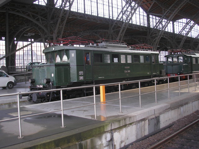 Preserved electric locomotive at Leipzig Hbf