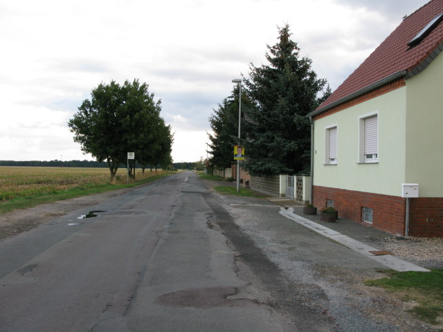 Leaving Schartau on Stietzelstraße