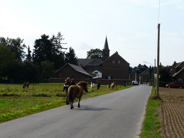 Jüchen - Kelzenberg (Village and church in Kelzenberg)
