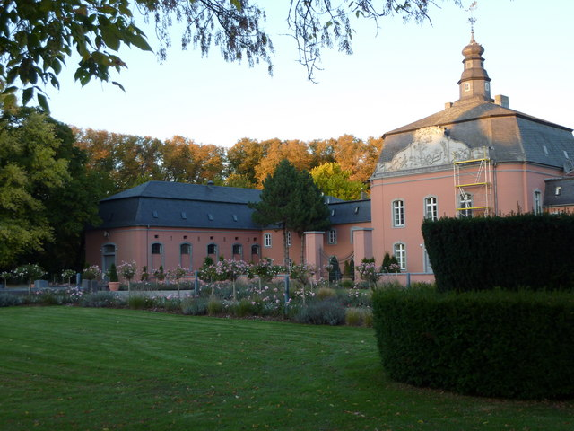 Schloss Wickrath (Wickrath castle and park)