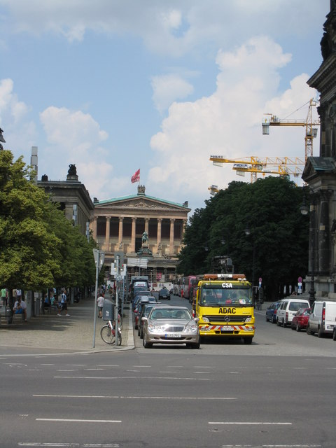 Am Lustgarten