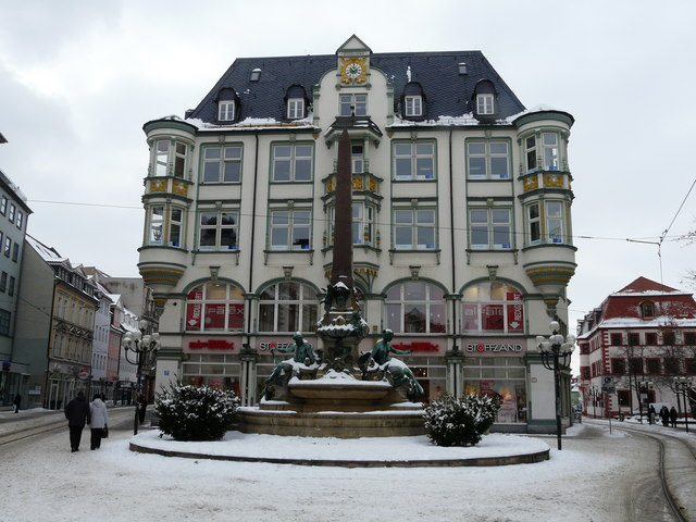 Am Angerbrunnen in Erfurt.
