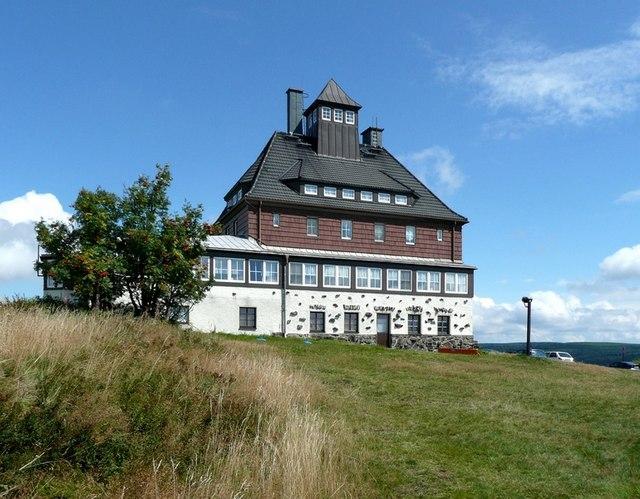 Die Bergbaude auf dem Schwartenberg