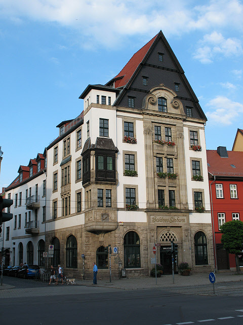 "Erfurt: Bibliothek zum ""Goldnes Einhorn"" (Erfurt: the library in the ""golden unicorn"")"