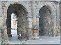 ULA3014 : Porta Nigra - Doppeltor (Porta Nigra - Double Gateway) von Colin Smith