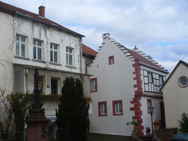 Treppengiebelhaus, Dudeldorf (Stepped-Gable House)