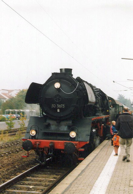 DB  Dampflokomotive Nr. 50 3673 im Bahnhof Bad Nauheim ((DB Steam locomotive No. 50 3673 at Bad Nauheim railway station))